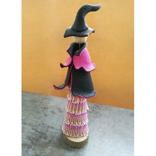 Fuchsia, The Mini-Witch